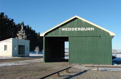 Wedderburn Station buildings.